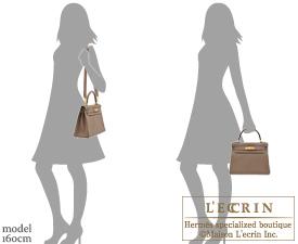 Hermes Kelly bag 28 Etoupe grey Togo leather Gold hardware