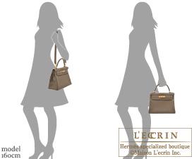Hermes Kelly bag 28 Etoupe grey Clemence leather Gold hardware