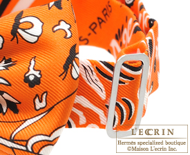 ... Hermes Noeud Papillon Fleurs et papillons de tissu Orange Black White  Silk 3f45e1414e5